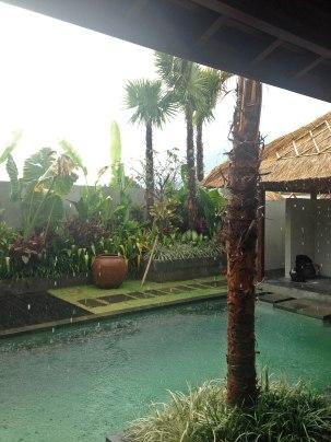 House 12 Rain1