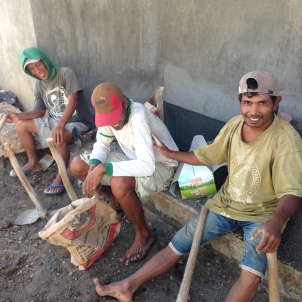 Bumbak_Bali_Workers_1